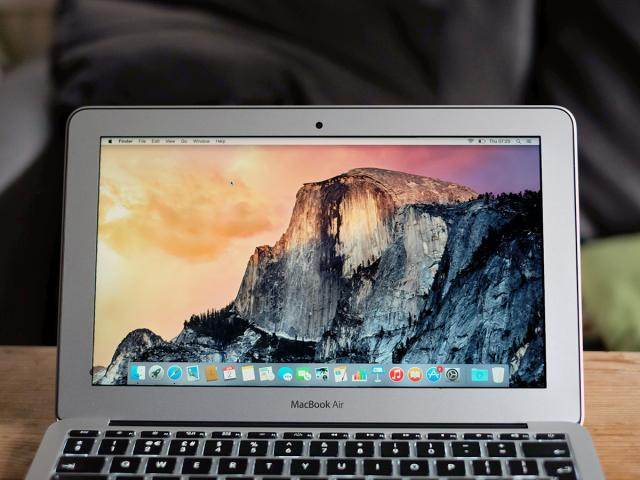 11-inch_MacBook_Air_2015_display