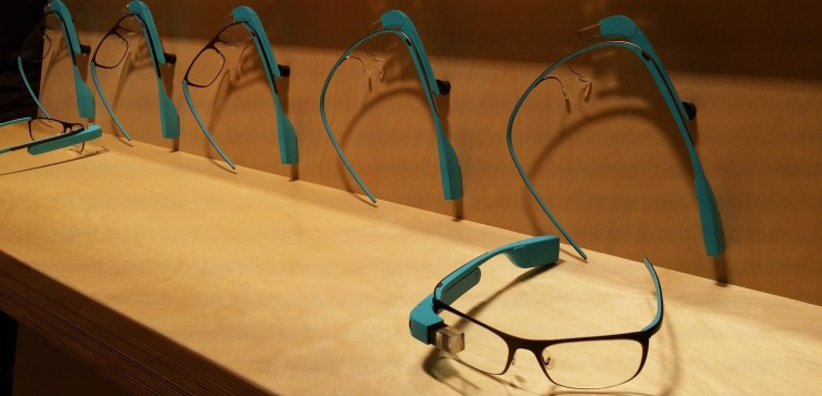 Google_Glass_blue_with_frames