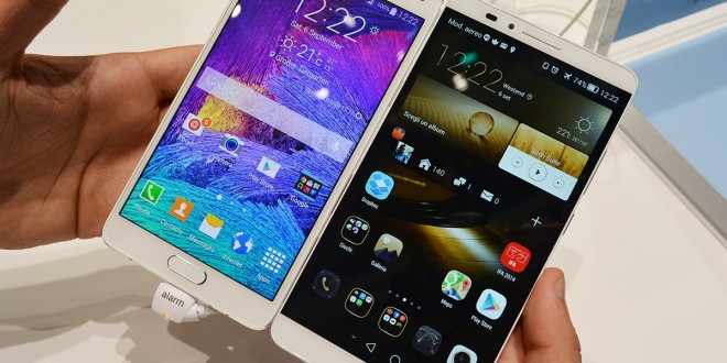 Left: Samsung Galaxy Note 4 | Right: Huawei Ascend Mate 7