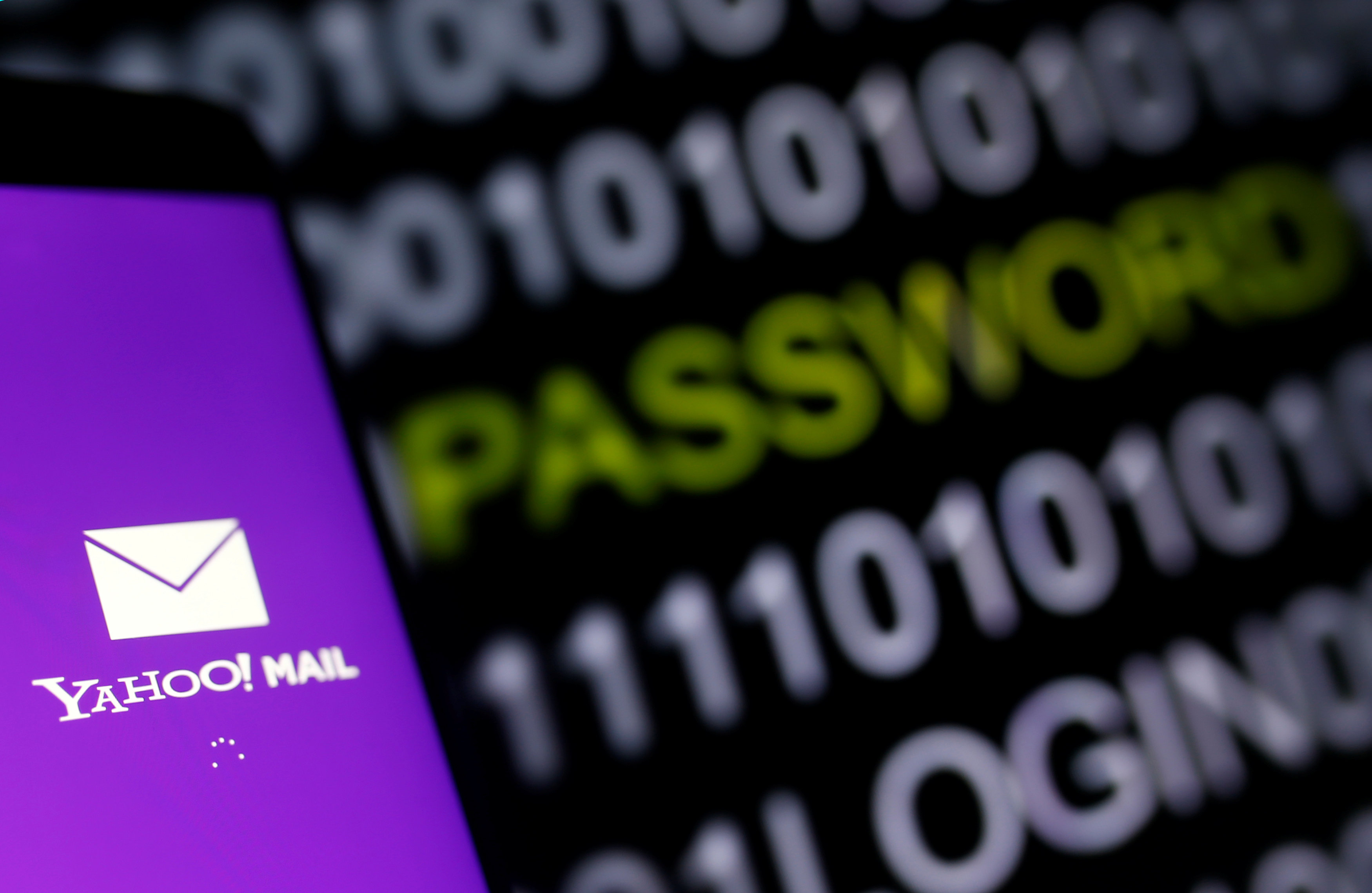 Yahoo Serving US Government by Scanning Users Email Accounts