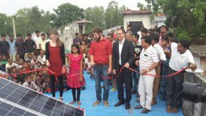 Student from U.K. Helps Indian Village Get Solar Energy